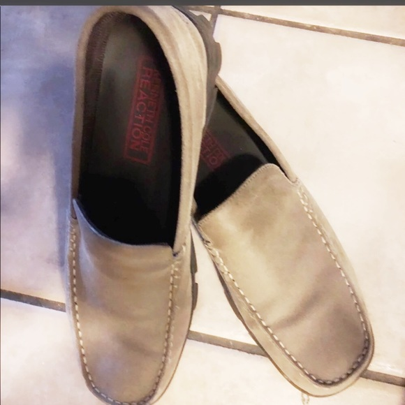 Kenneth Cole Men's tan suede loafers size 9